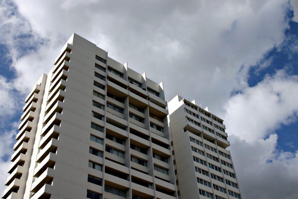 Système de sécurité : entretien via le locataire ou le propriétaire